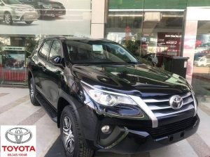 toyota fortuner 2.4 so tu dong mau den