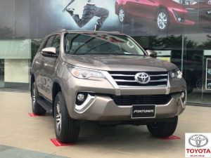 toyota fortuner 2.4 so tu dong mau dong